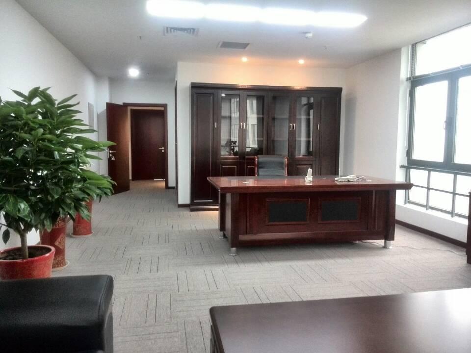 屋里怎么布置更符合政府领导政府领导的办公室 如摆放桌旗 国旗 墙上图片